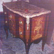 French transitional style Commode from the 18th century